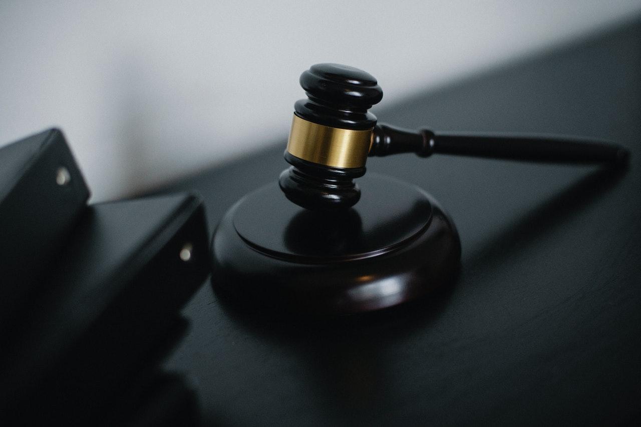 Тысячи банкротов остались с долгами: какие долги не рассматривает суд?